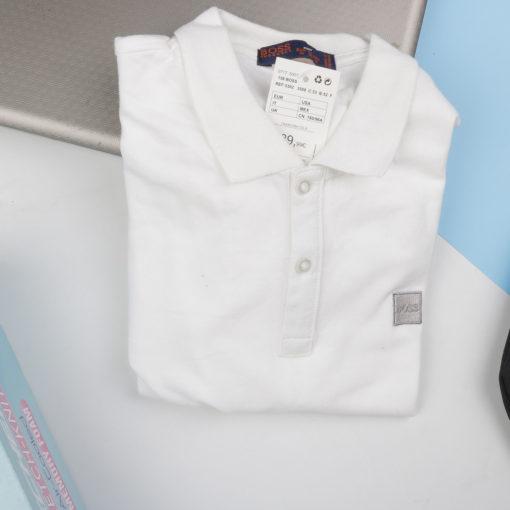 áo phông nam có cổ màu trắng